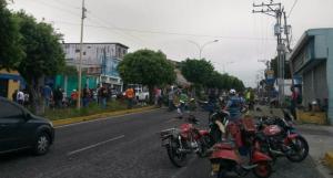 Mototaxitas de Mérida protestan por falta de gasolina #21Oct
