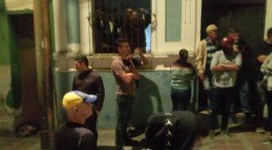 """Grupo armado de """"alacranes"""" intentaron asaltar sede de Acción Democrática en el municipio Guaicaipuro (Imágenes)"""
