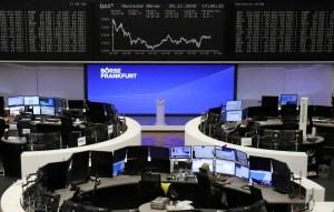 Los valores de energía impulsan las bolsas europeas al alza