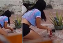"""Mujer fue sorprendida in fraganti haciéndole el amarre del """"agua de calzón"""" a su vecino (VIDEO)"""