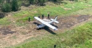 Autoridades de Honduras incautaron una avioneta procedente de Venezuela cargada con cocaína