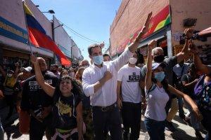 Juan Guaidó recorrió las calles de Carabobo para rechazar el fraude electoral y promover la Consulta Popular #3Dic (FOTOS)