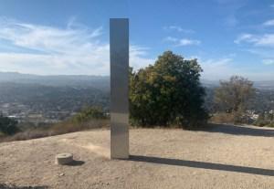 Aparece un tercer monolito metálico, esta vez en la cima de una montaña de California (VIDEO)