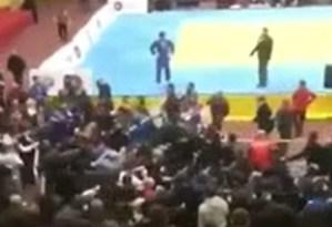 Batalla campal en un evento de judo de niños: Padres, espectadores y luchadores terminaron a los golpes (VIDEO)