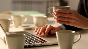 Las consecuencias de beber más de dos tazas de café al día