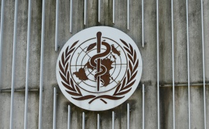 Director de OMS pide no vacunar a los niños y entregar las dosis a mecanismo Covax