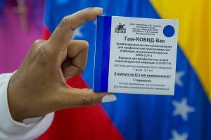 Sputnik V: Demoras, quejas y cancelaciones de la vacuna rusa atraviesan América Latina
