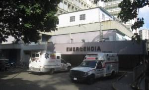 Adultos mayores esperan desde las tres de la mañana para recibir la vacuna contra el Covid-19 en Caracas #17May (Video)