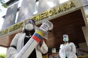 Academia de Medicina: Al ritmo actual, Venezuela tardará 10 años en inocular su población