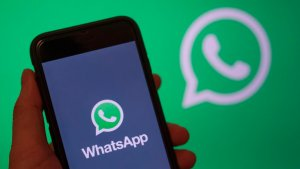 WhatsApp: El truco para contestar mensajes sin aparecer en línea