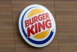 Burger King le debe dos millones de dólares a una empleada por despedirla con problemas en la tráquea