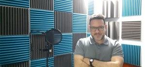 El hombre detrás de la voz: Abelardo Oseches el Voice-Over que llega a cualquier parte del mundo