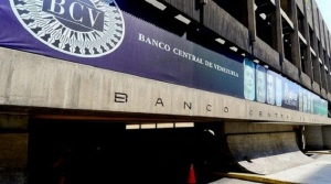 Írrito BCV intervino por primera vez, en junio para contener el avance del precio del dólar en las mesas cambiarias
