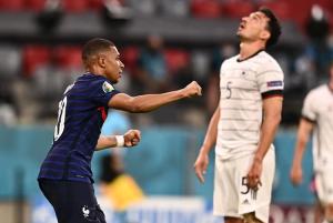 Autogol de Hummels da ventaja a una Francia favorita para llevarse la Eurocopa