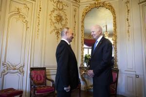Biden afirma que acordó con Putin recurrir a la diplomacia sobre Ucrania