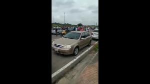 EN VIDEO: La Plaza de Toros de Carabobo permanece repleta de personas a la espera de la vacuna contra el Covid-19 #16Jun