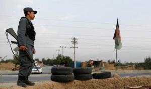 Afganistán impuso toque de queda nocturno para contener a los talibanes