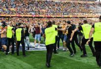 ¡Se pasó! Fanático irá la cárcel por tocar sus partes íntimas en partido de fútbol francés