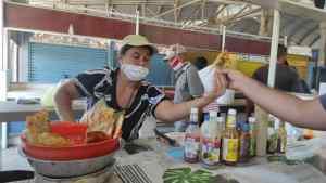 Margarita: A punto de desaparecer las empanaderas del mercado Los Conejeros por caída del turismo (FOTOS)